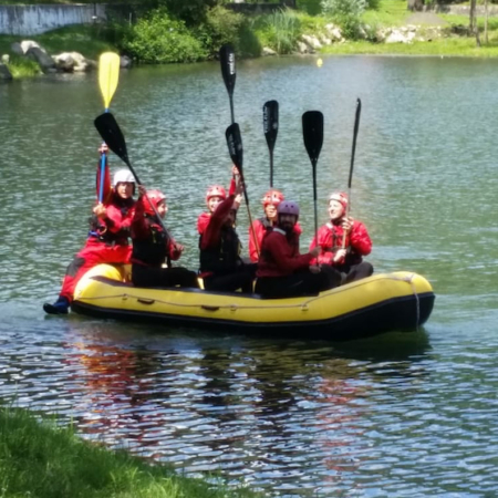 Solitary Rafting Incentive Team